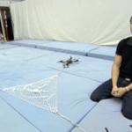 Wenn Quadcopter zusammen interagieren und Bälle auffangen