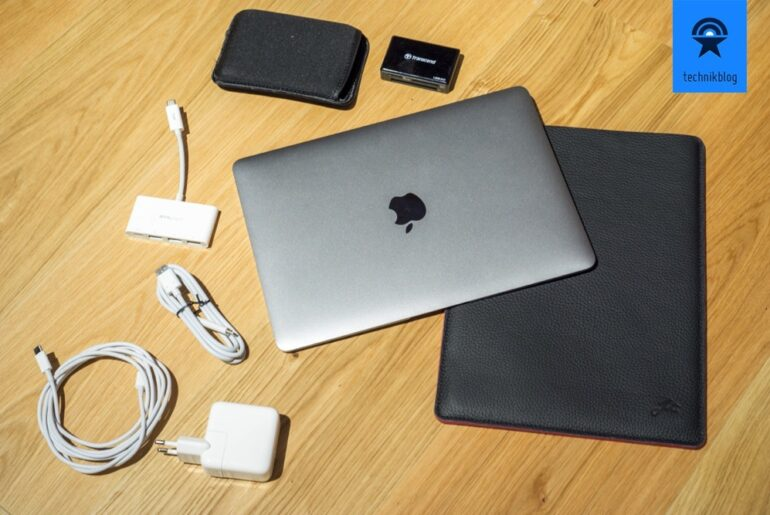 Apple MacBook Travel Setup