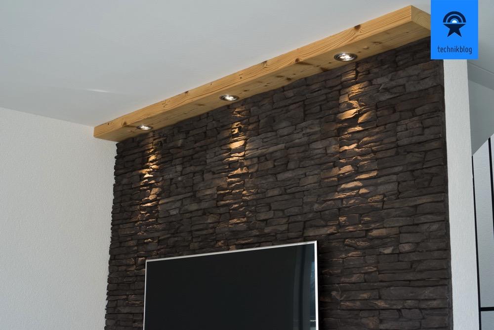 TV-Wand Beleuchtung mit Loxone realisiert