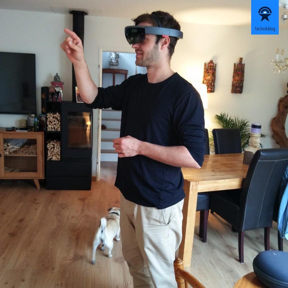Microsoft HoloLens im Einsatz in meinem Wohnzimmer
