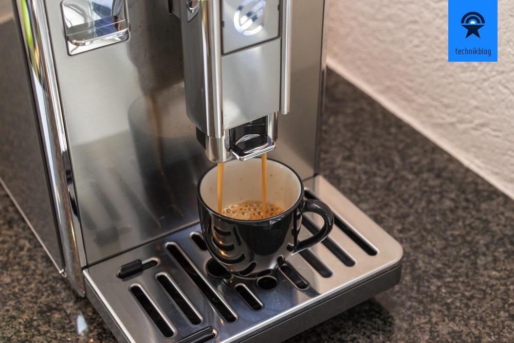 Die Saeco GranBaristo Avanti macht mir gerade einen Espresso