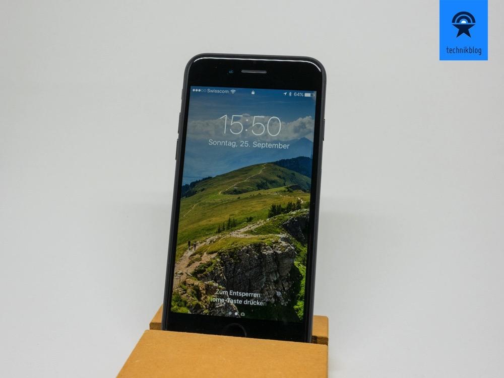 Apple iPhone 7 - black