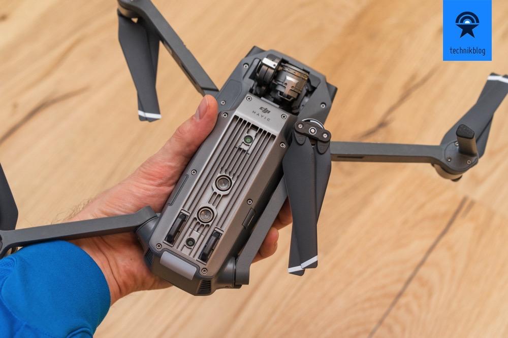 DJI Mavic Pro - ausklappbare Arme und Sensoren an der Unterseite