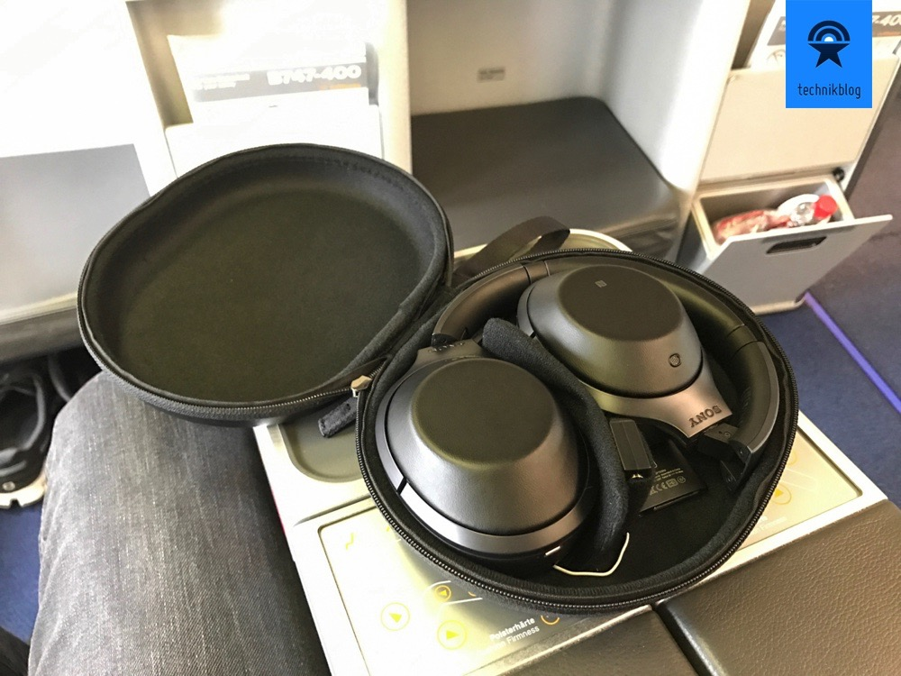 Alles benötigte findet im Case des Sony MDR-1000X Platz.