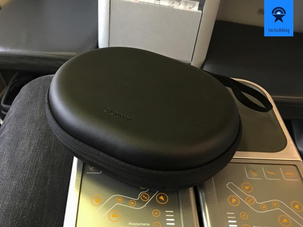 Sony MDR-1000X schön verstaut in mitgeliefertem Case