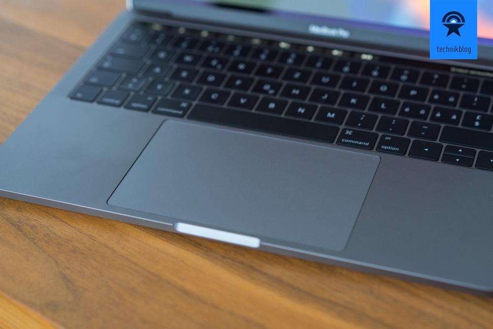 MacBook Pro mit riesigem Touch Pad