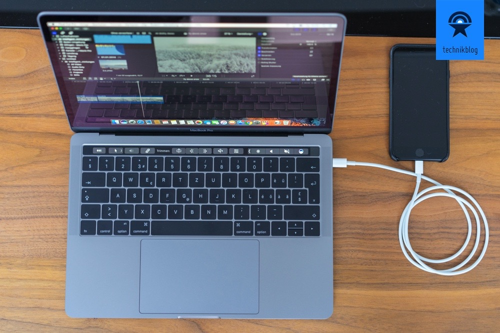 Apple MacBook Pro: Touch Bar und vier Thunderbolt 3 Ports (USB-C)