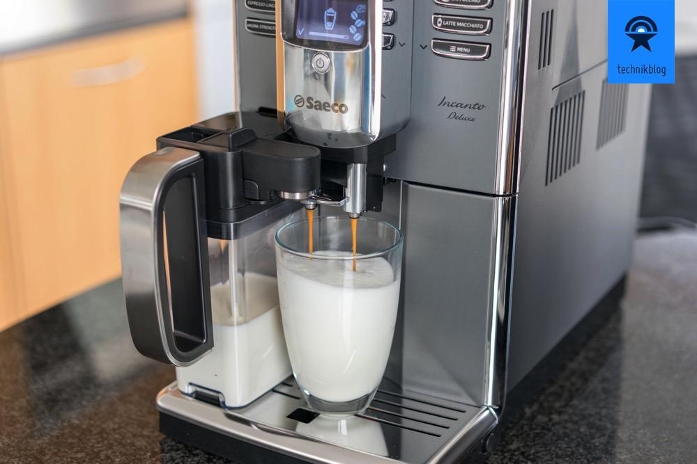 Saeco Incanto Titanium Deluxe: Zubereitung eines Latte Macchiatto