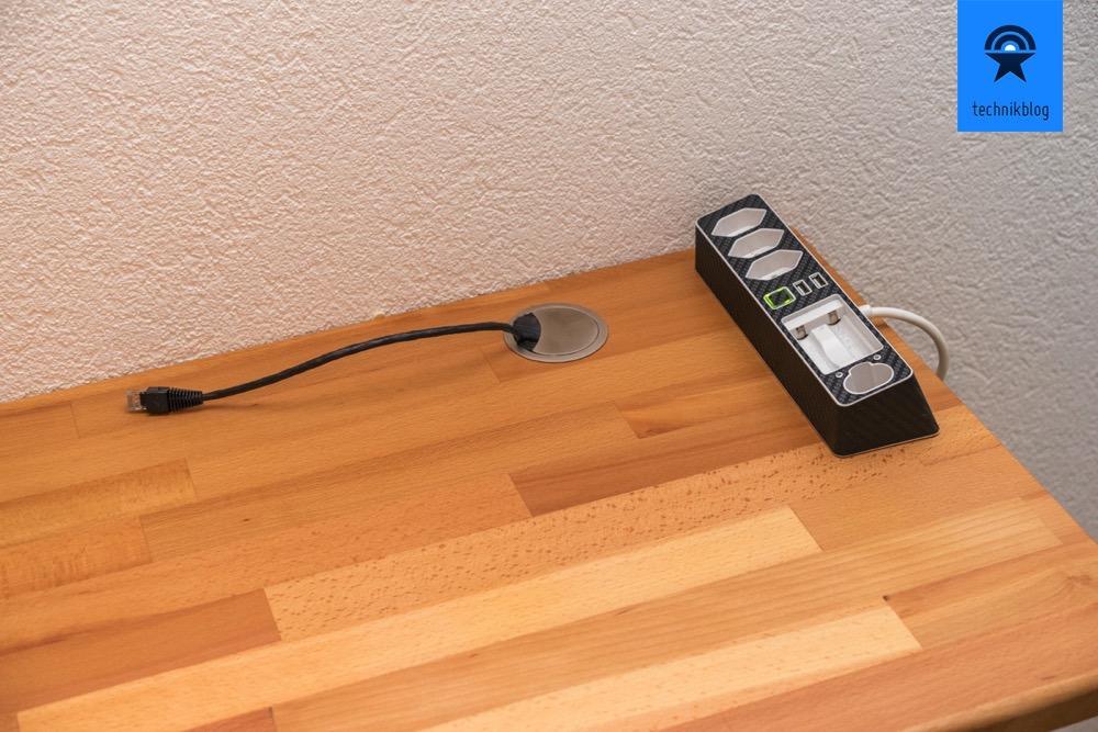 Kabeldurchführung für Ethernet oder Netzkabel, Steckerleiste mit Ladefach