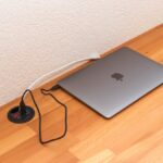 Projekt: Gadget-Schreibtisch mit Ladestationen im Eigenbau