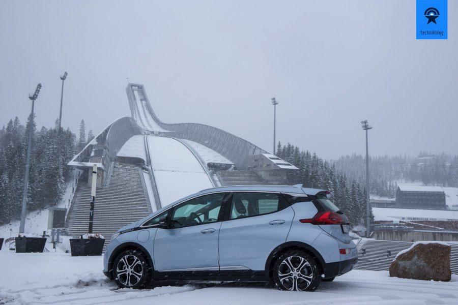 Den Opel Ampera-e bei winterlichen Bedingungen getestet, auch da funktioniert die Reichweite, sogar am Holmenkollen bei Schnee!