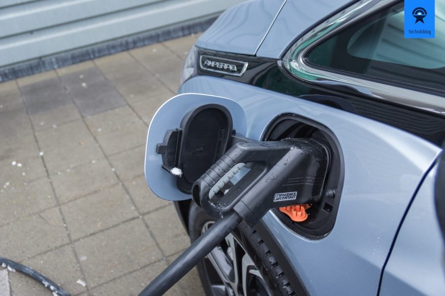 Tanken an einem McDonald's Fast Charger in Oslo