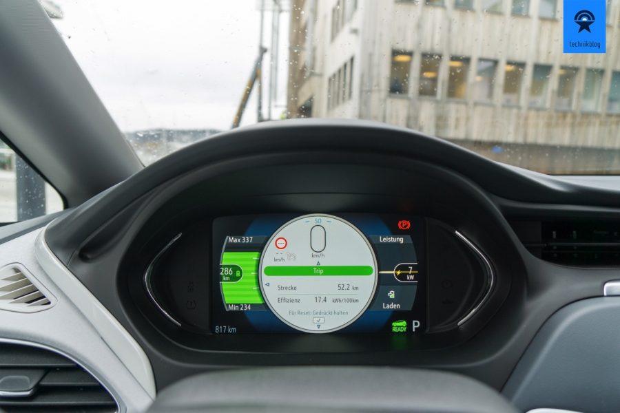 Reichweite und Verbrauch immer im Blick, dank digitalem Cockpit