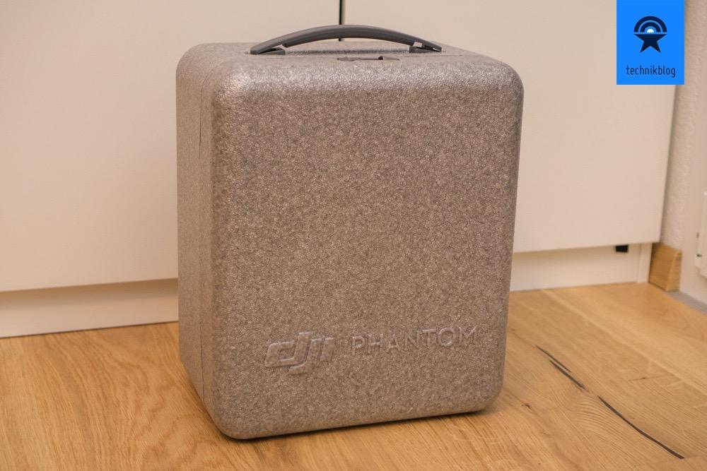 DJI Phantom 4 Pro - Box in der Verpackung dient als Koffer