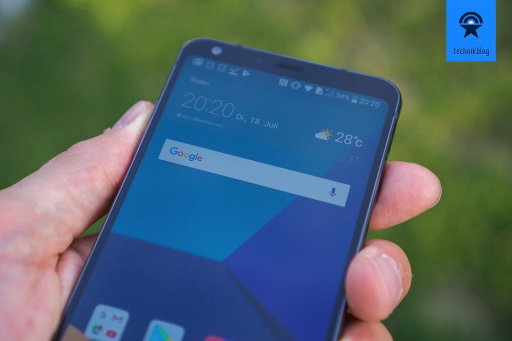 abgerundete Kanten am Display und liegt toll in der Hand - das LG G6.