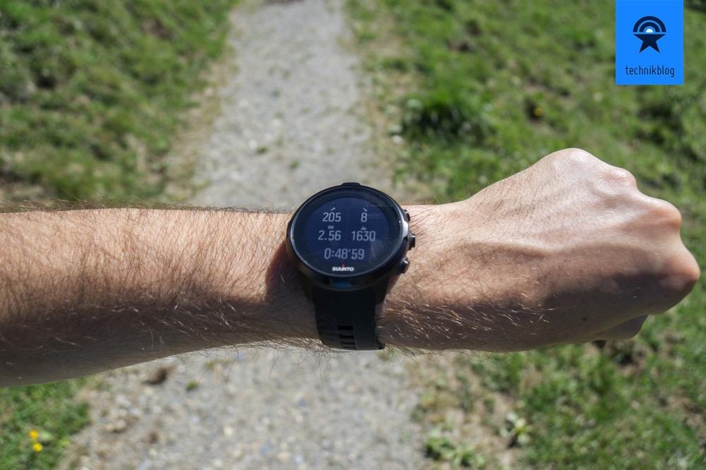 Suunto Spartan Sport Wrist HR beim Wandern