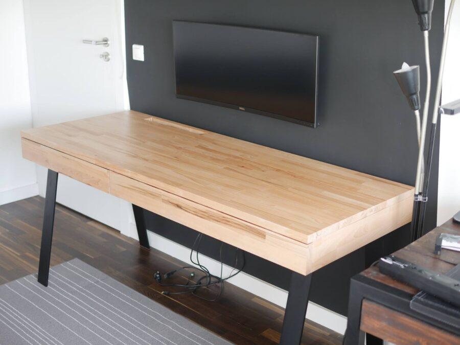 desk pc 2 0 den computer im schreibtisch verschwinden lassen. Black Bedroom Furniture Sets. Home Design Ideas