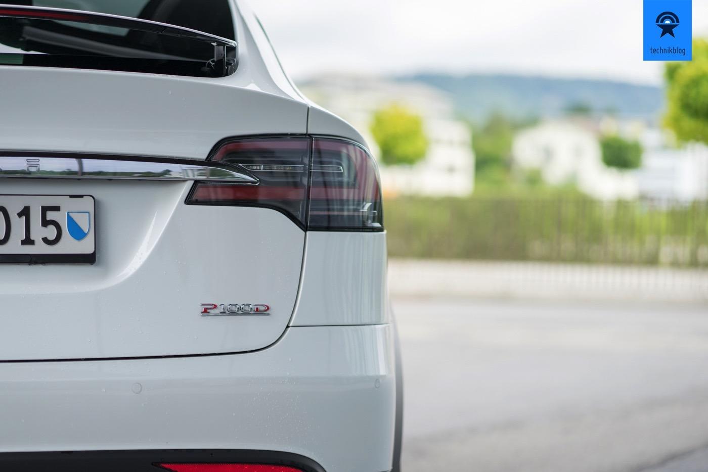 Tesla Model X P100D - steht für 3,1 Sekunden für 0-100km/h