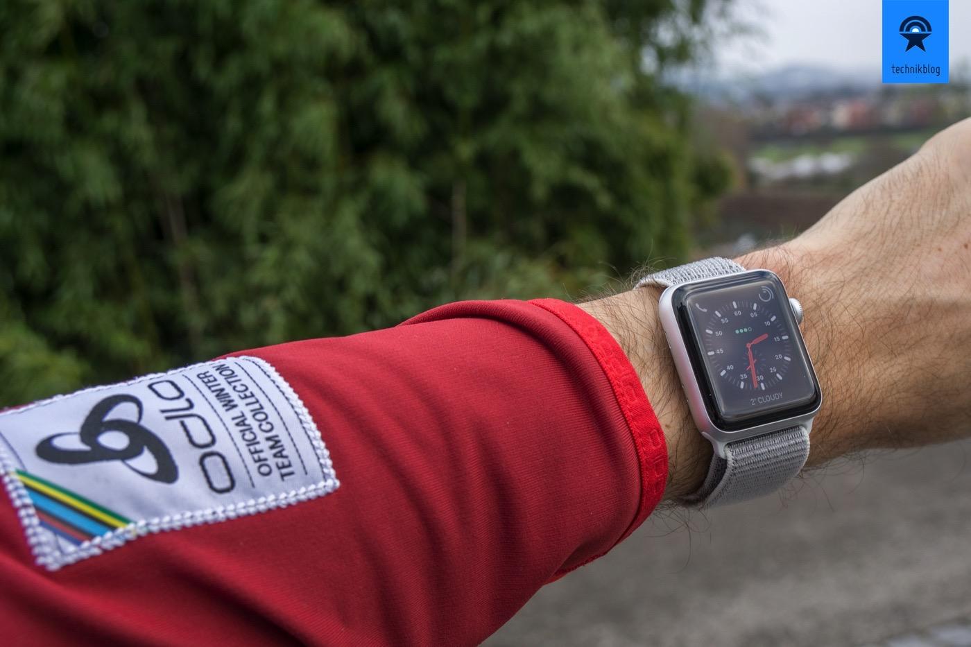 Apple Watch Series 3 Cellular - der ideale Begleiter für sportliche Menschen.