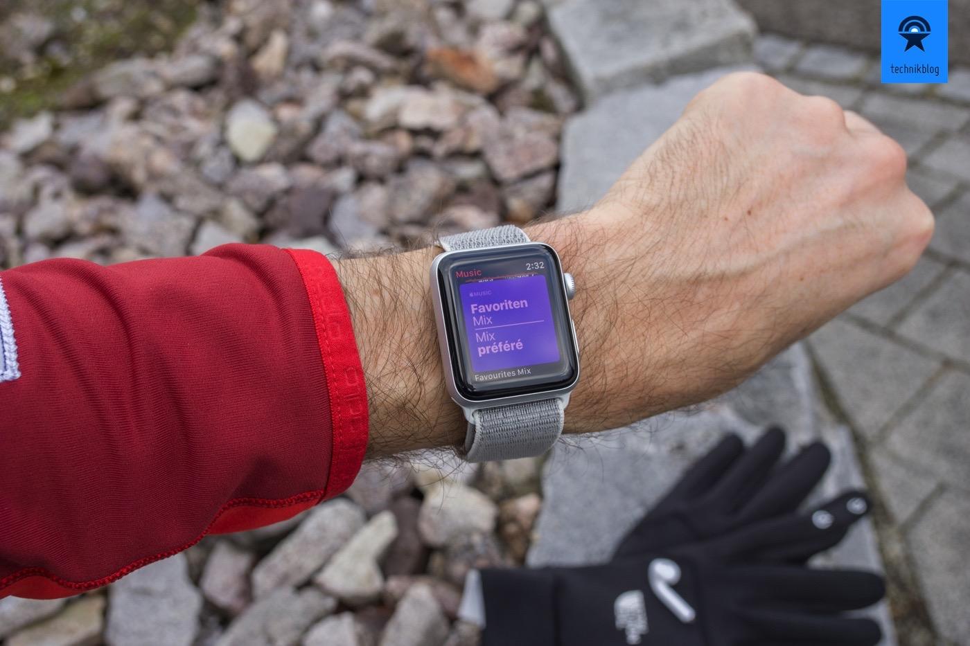 Apple Music auf der Apple Watch und Wiedergabe auf den Airpods