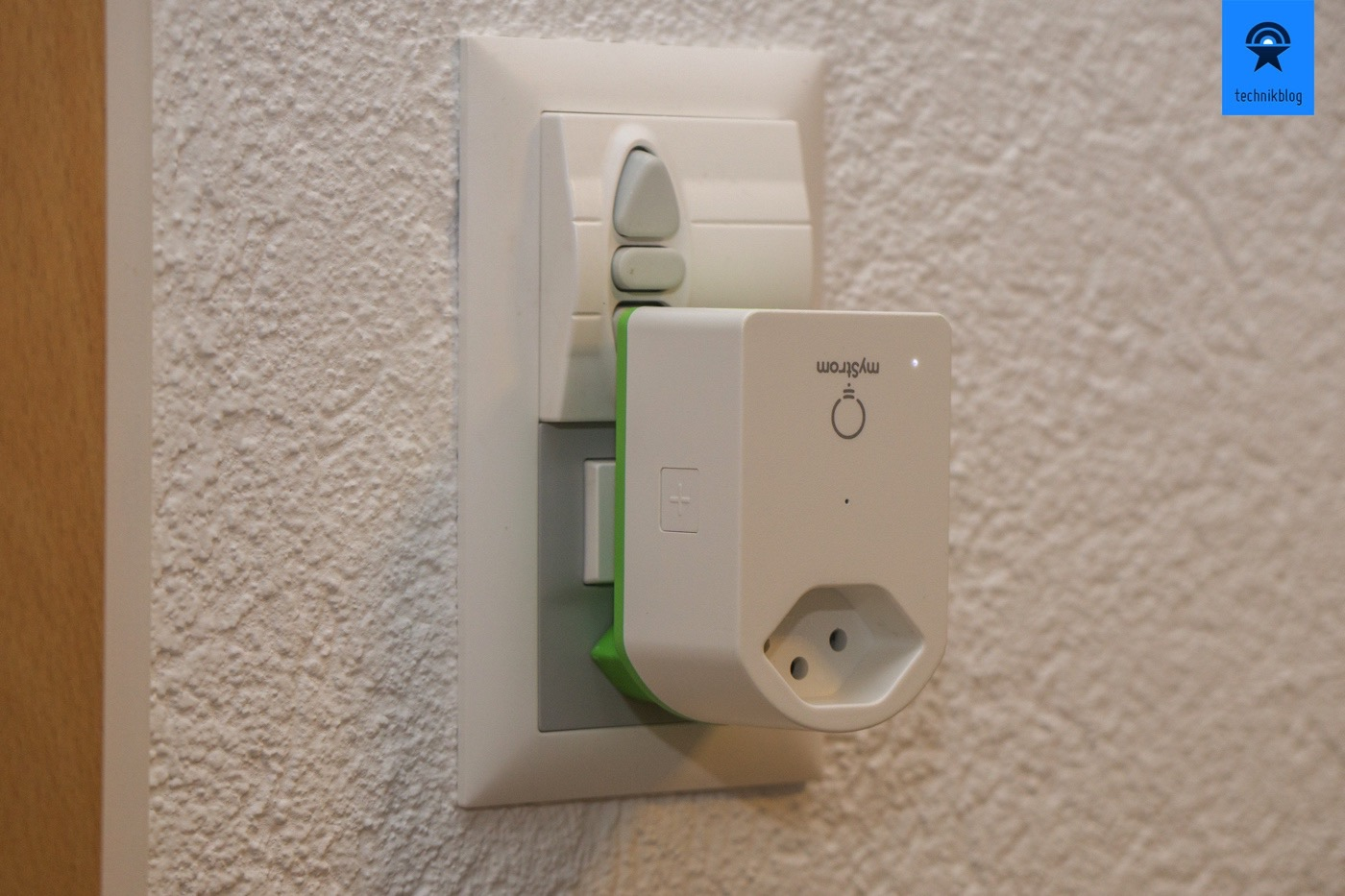 Einziges Manko, an Lichtschaltern mit Steckdosen, wird der Schalter verdeckt.