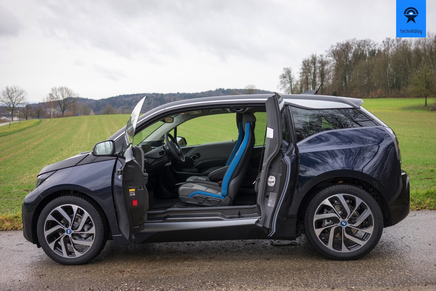 bmw i3 test kompakter elektroflitzer aus moderner nachhaltiger fertigung. Black Bedroom Furniture Sets. Home Design Ideas