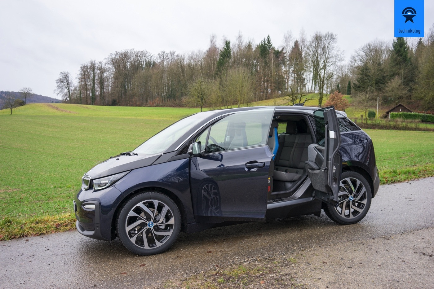 bmw i3 test kompakter elektroflitzer aus moderner. Black Bedroom Furniture Sets. Home Design Ideas