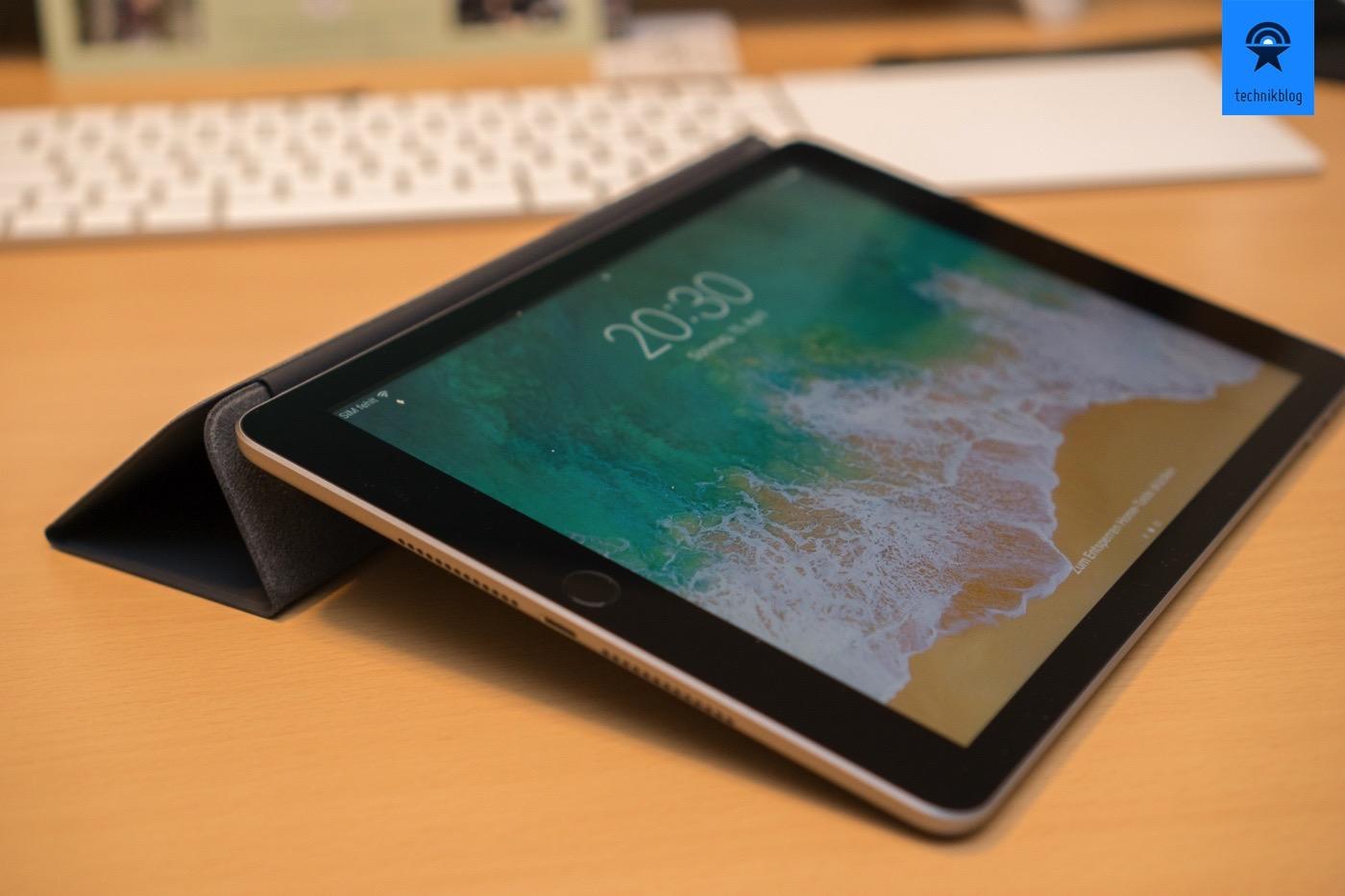 Ich nutze das iPad oft so mit dem Smart Cover