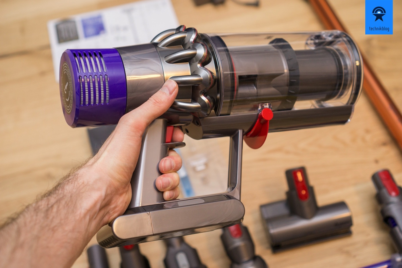 testbericht dyson cyclone v10 akkusauger mit viel power. Black Bedroom Furniture Sets. Home Design Ideas