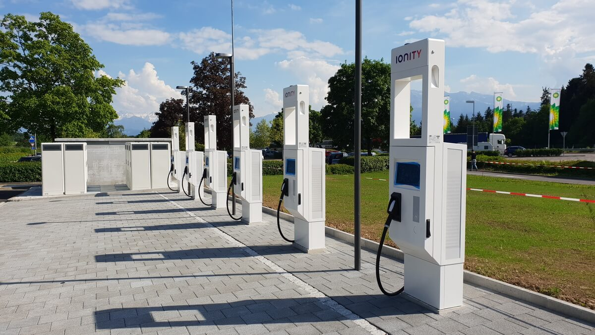 Ionity Station in Neuenkirch - Bilder von asphalte.ch