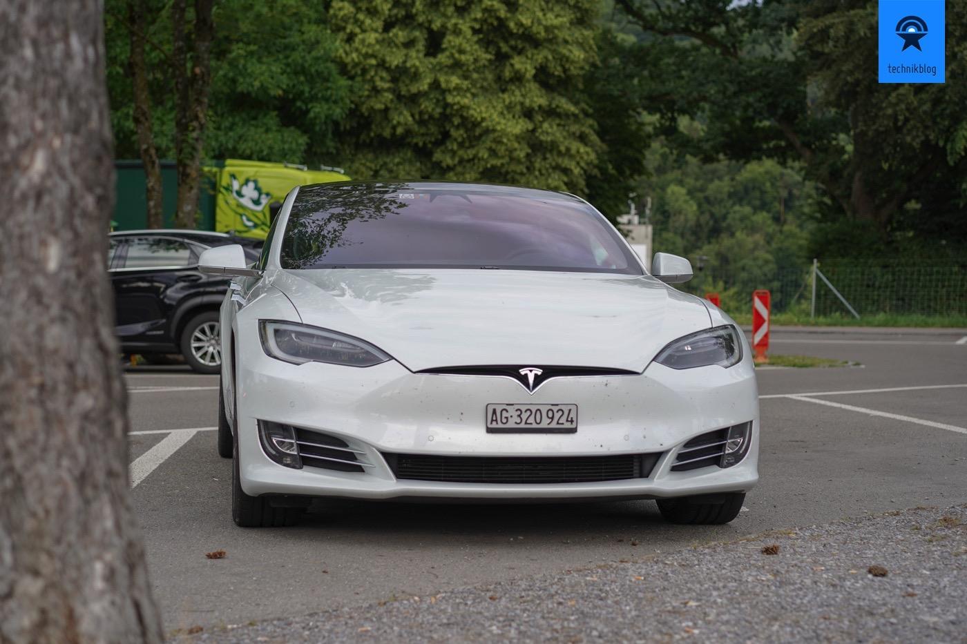 Tesla Model S von DriveTesla