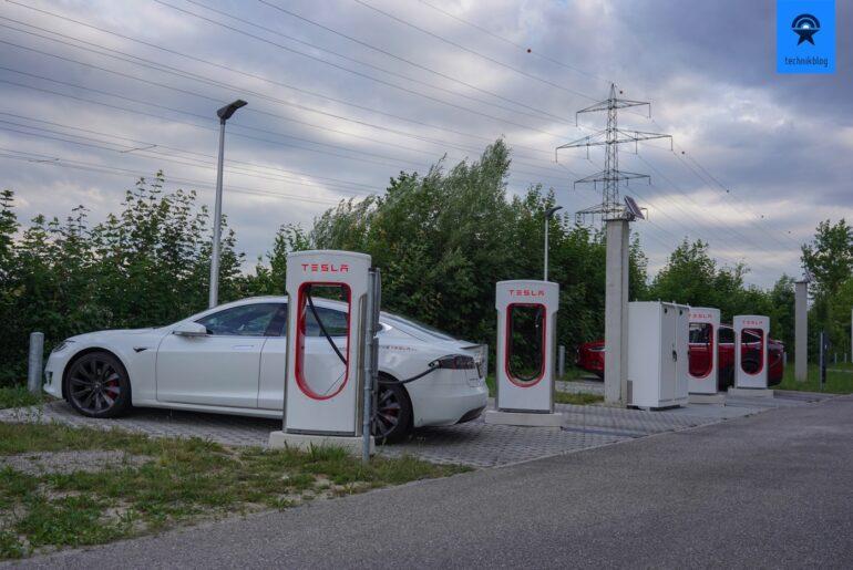 Abholung des Tesla Model S in Oftringen am Supercharger.
