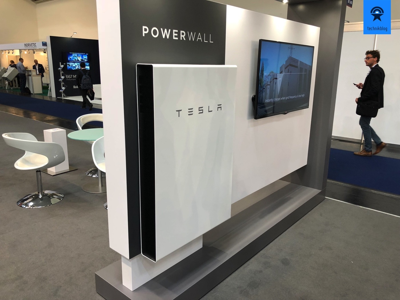 Tesla Powerwall an der Intersolar 2018