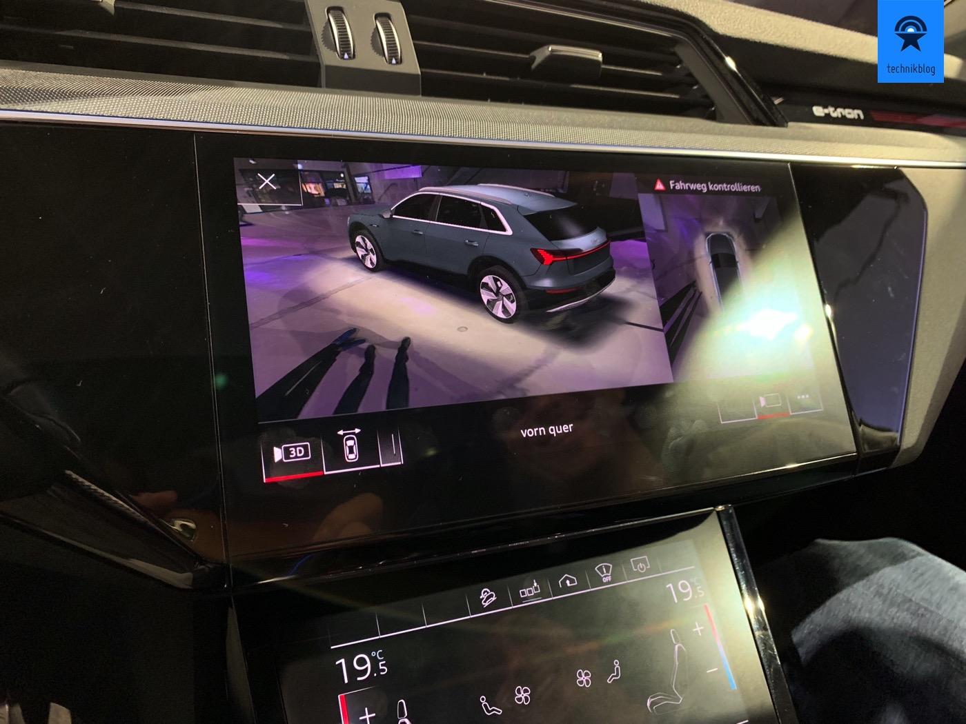 3D Parksensor Darstellung dank Kameras rund um das Auto