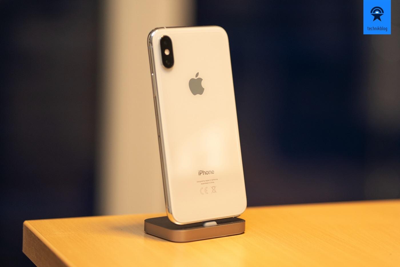 iPhone Xs Rückseite - kaum Unterscheide zum iPhone X zu erkennen