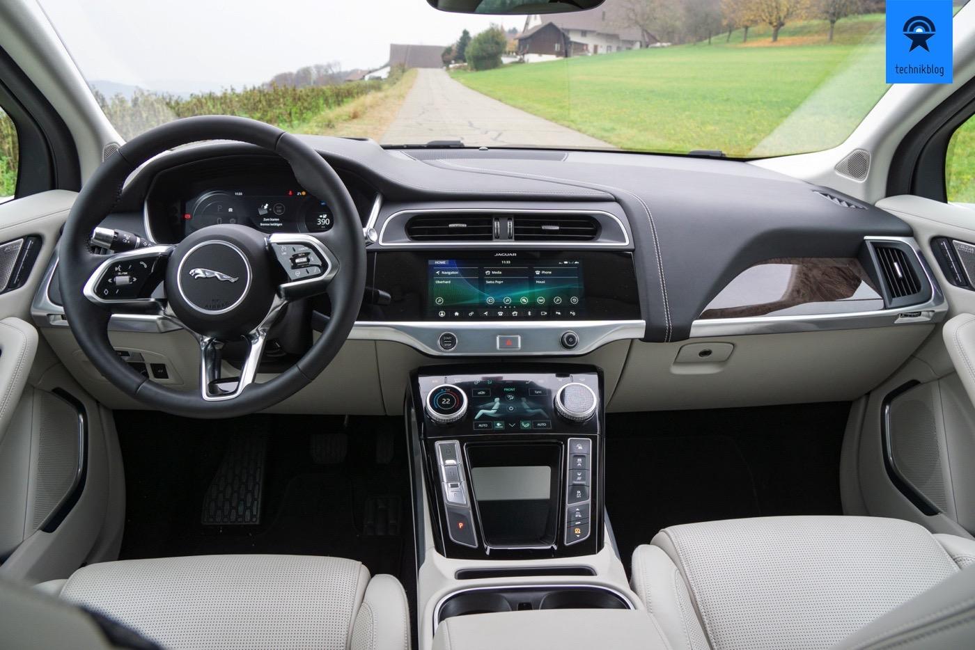 Das Cockpit des Jaguar I-Pace