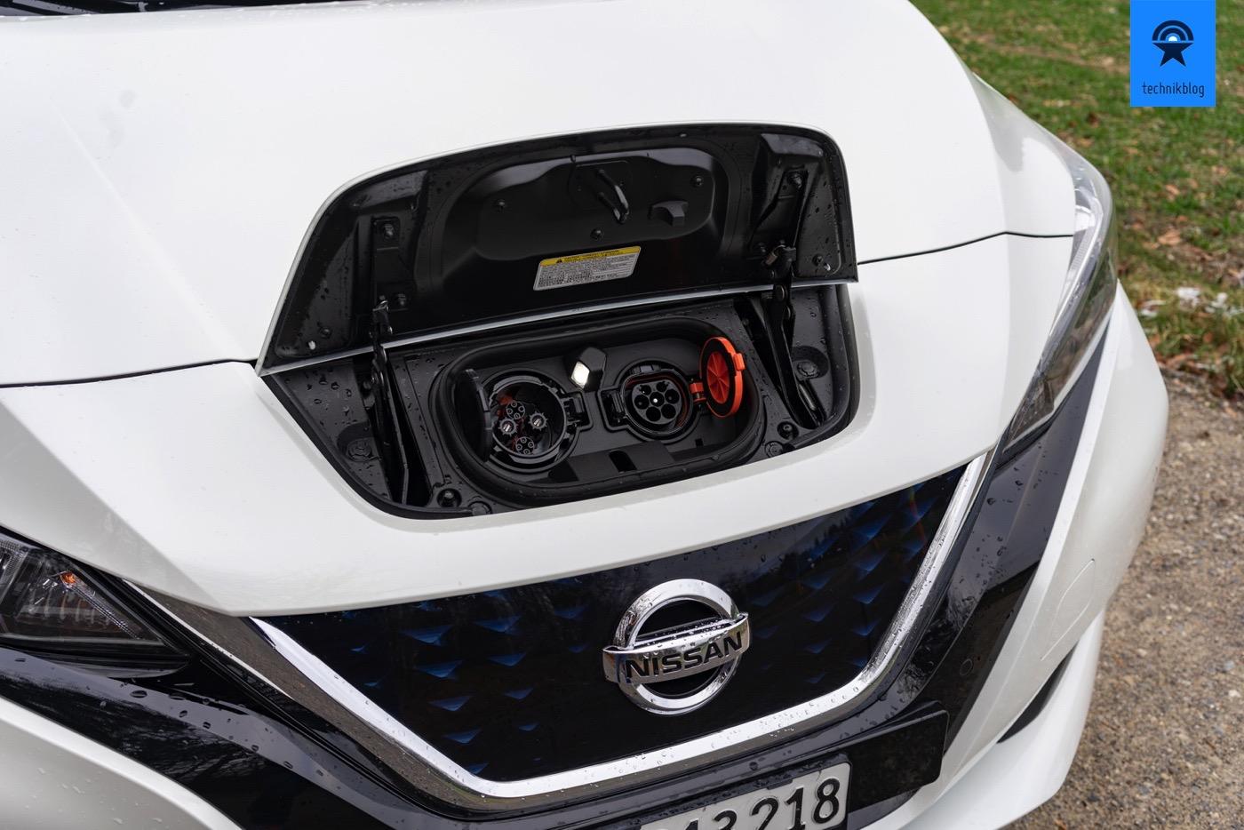 Ladestecker am Nissan Leaf II: Chademo & Typ 2