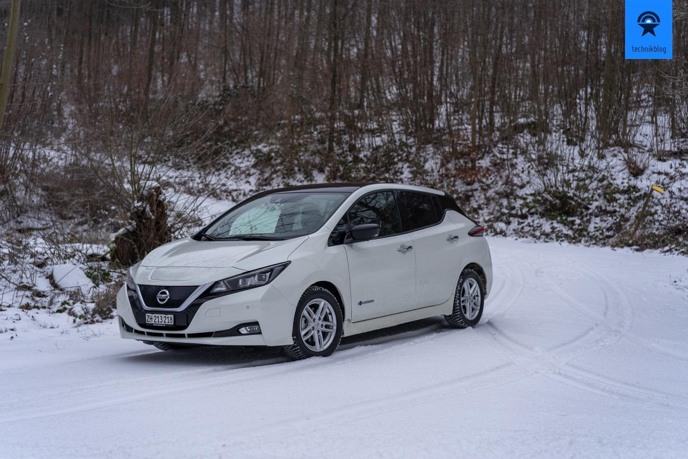 Nissan Leaf im Schnee