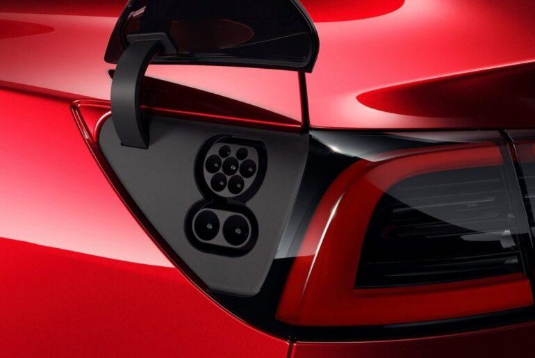 Tesla Model 3 mit CCS Anschluss