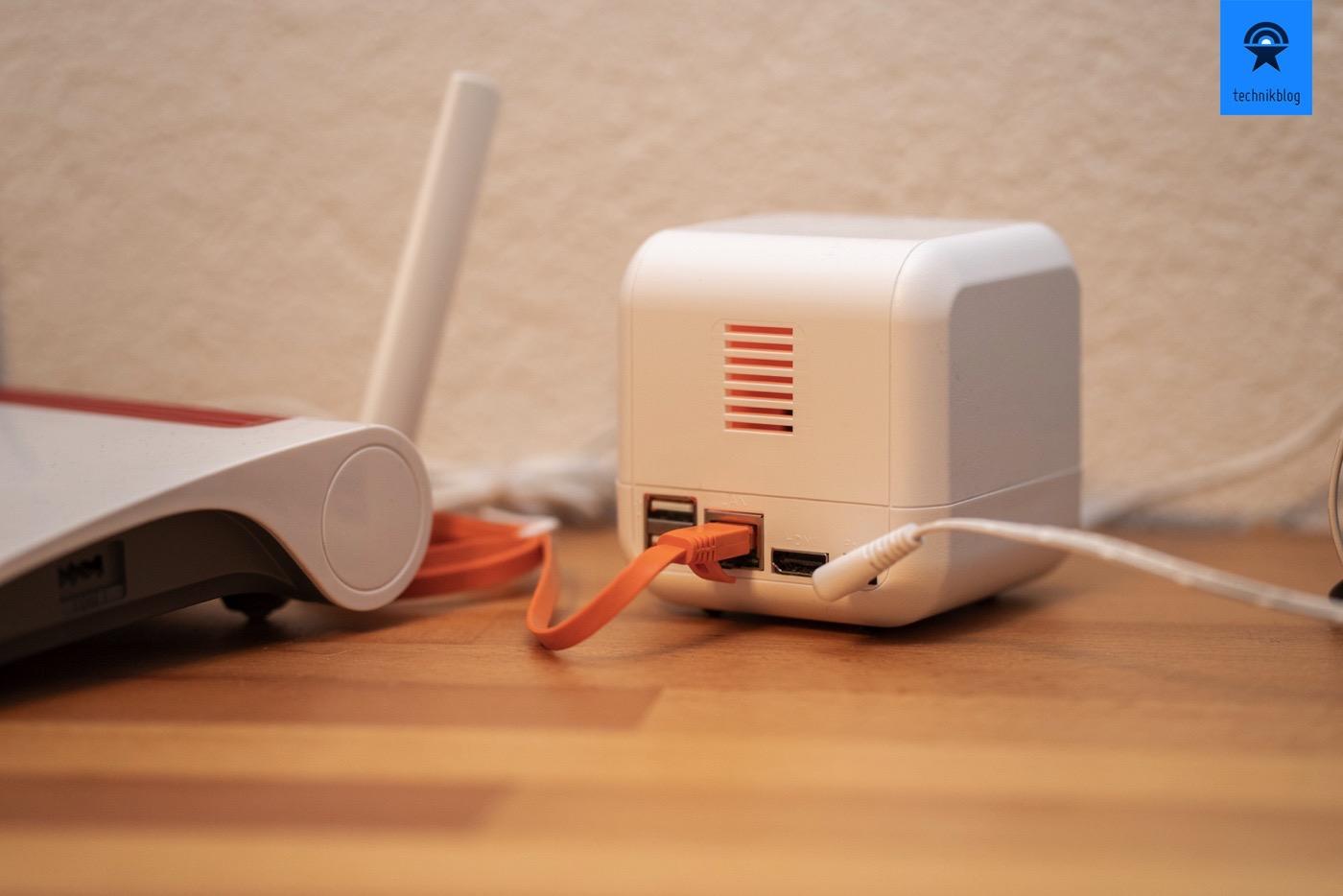 eBlocker2 mit Router verbinden, in meinem Fall eine Fritz!Box 6890 LTE und schon ist man sicher unterwegs im Web