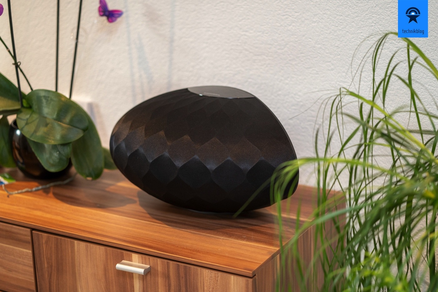Bowers and Wilkins Formation Wedge im Test
