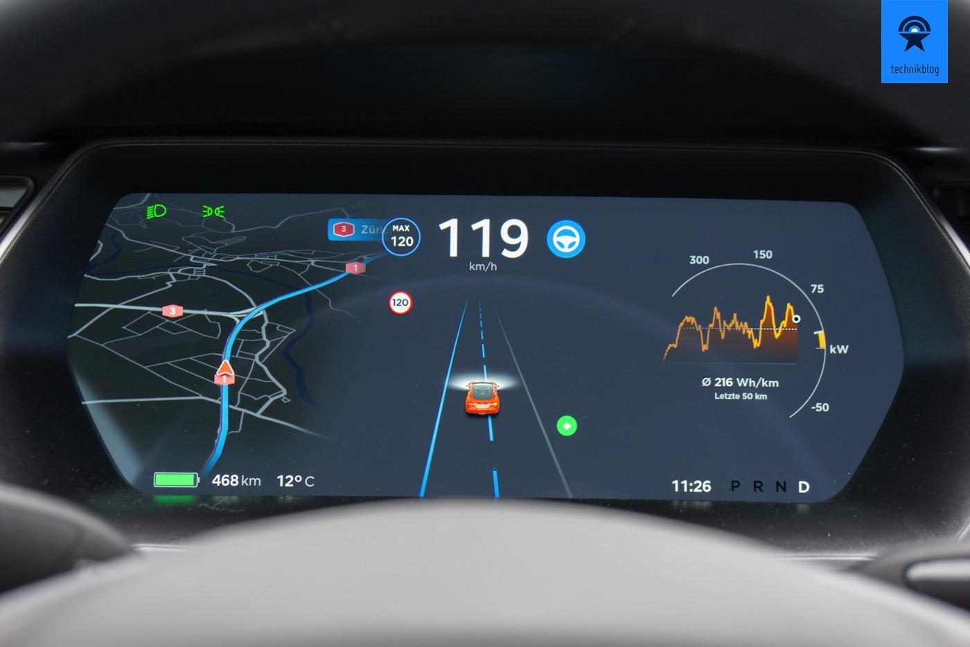 Spurwechsel mit dem Tesla Autopilot