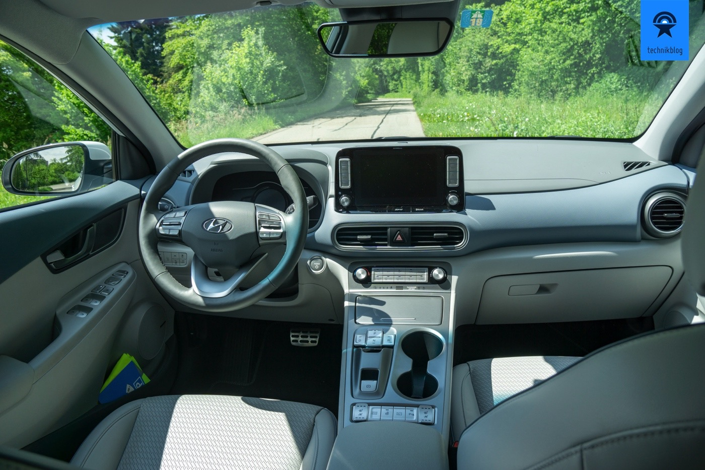 Cockpit des Hyundai Kona electric