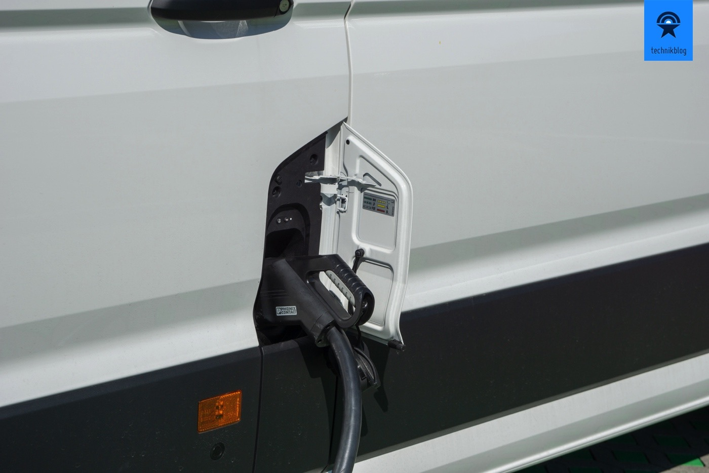 VW e-Crafter am CCS Schnell-Lader