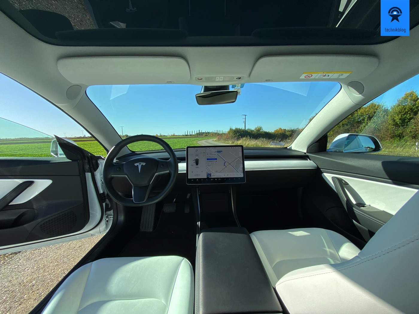Tesla Model 3 Innenraum mit iPhone 11 Pro Ultraweitwinkel
