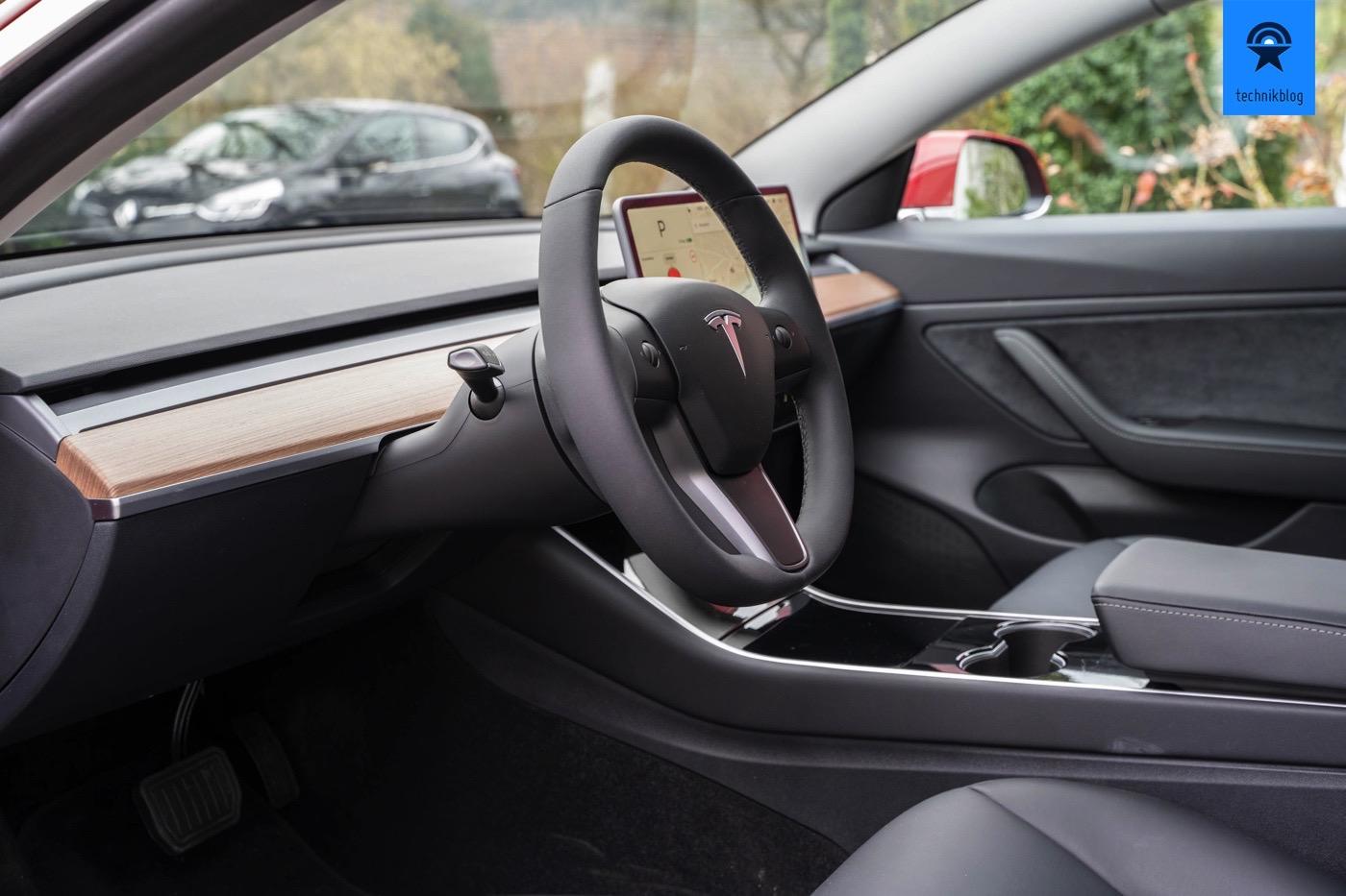 Tesla Model 3 SR+ Innenraum