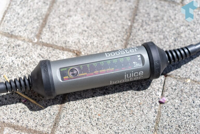 Der Juice Booster 2 erkennt die maximal verfügbare Stromstärke anhand des Adapters
