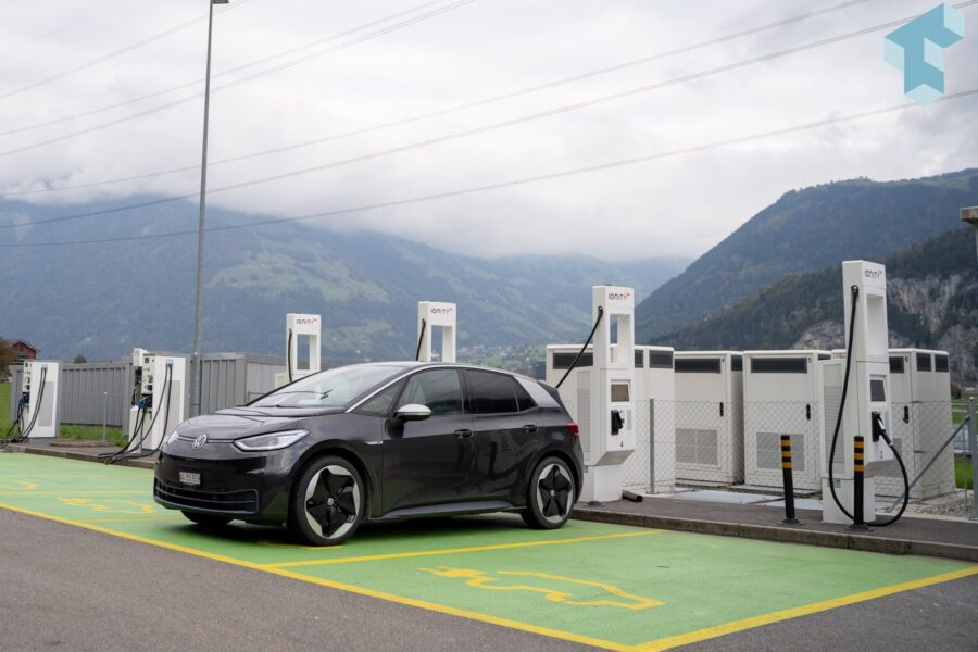 Letzer Stop bei Ionity an der Gotthard-Nord-Raststätte